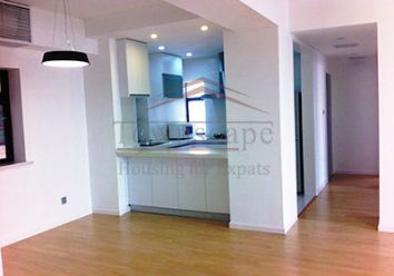 Modern and clean 2BR apartment with Western kitchen