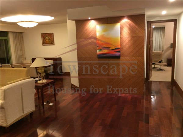 Luxurious 3BR in Merry Apartment,line2/11 Jiangsu rd