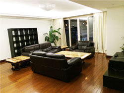 Beautiful apartment near with study and balcony near Xintiand