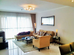 4 BR Big apartment for rent in Pudong in Shimao Riviera