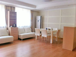 Cozy and bright apartment for rent in Hongqiao