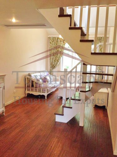 apartment with wooden floor rent Renovated wall heated 2 floor apartment for rent in the center of Shanghai