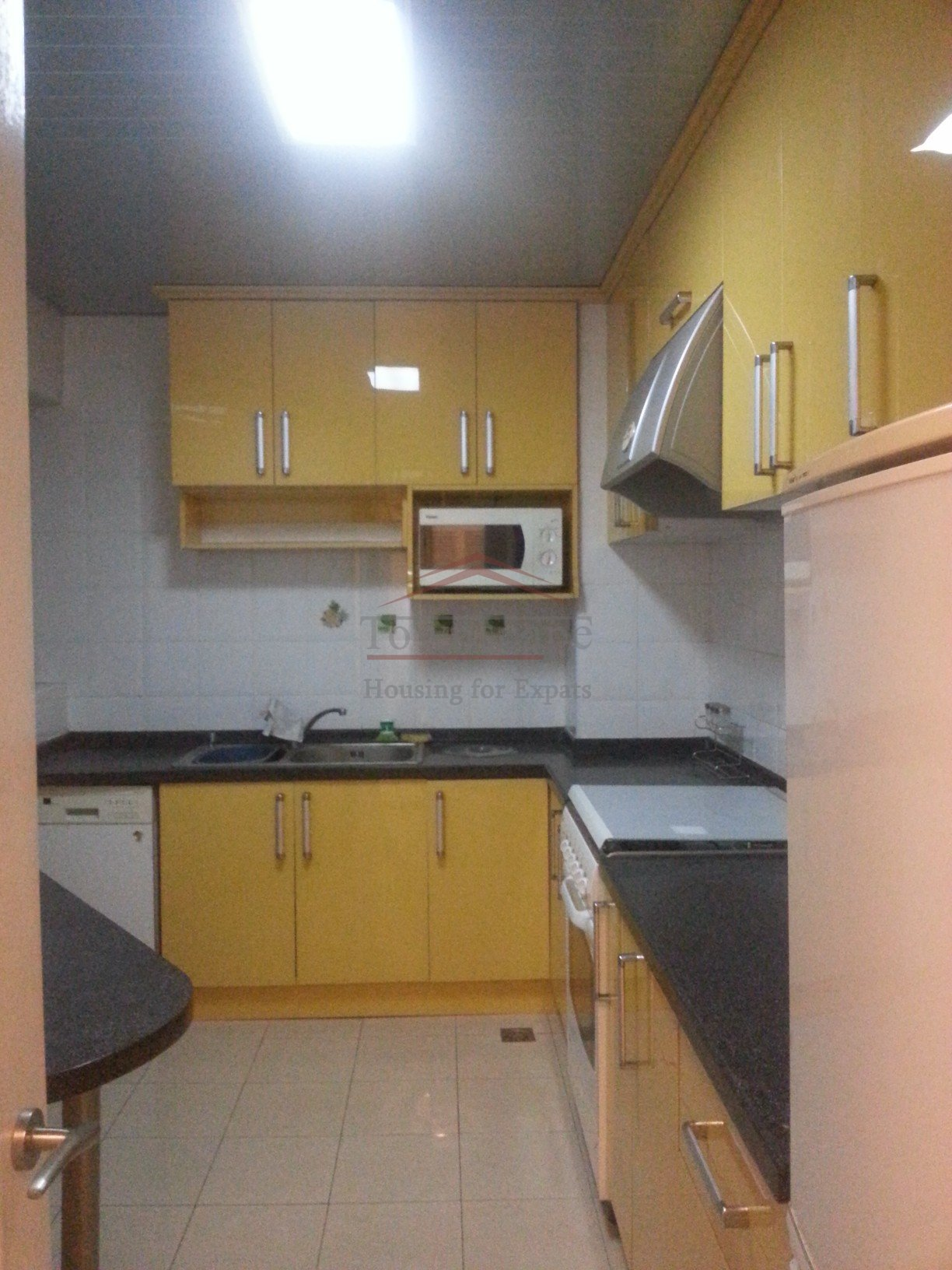 rent apartment Well priced 2-2-1 near xujiahui station line 1/11/9