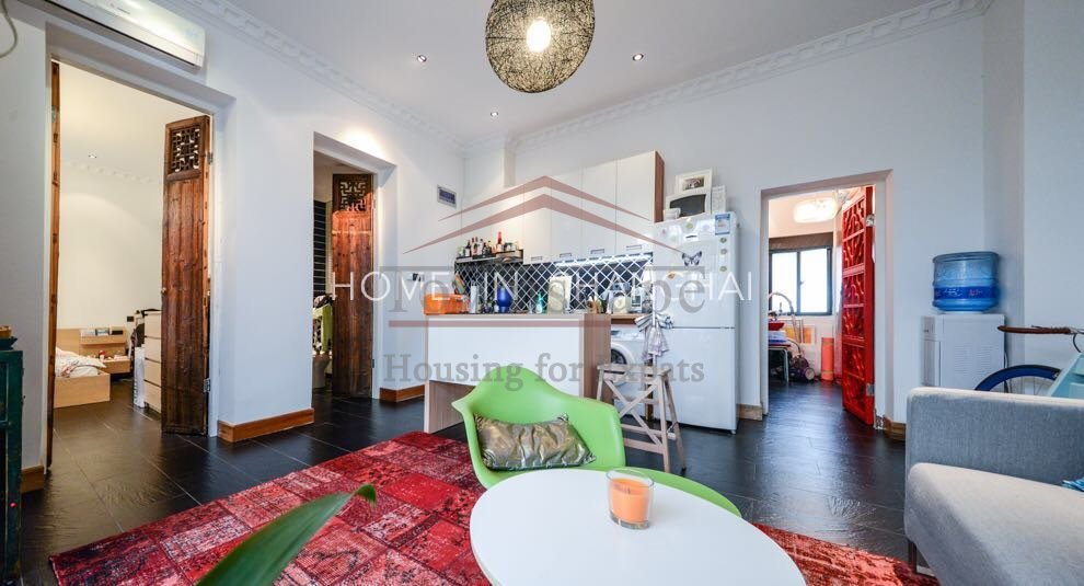Shanghai apartment Beautiful 2 BR French Concession Lane House w/ garden and floor heating