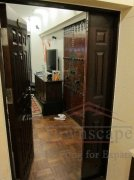 secure apartment in shanghai Spacious apartment with great kitchen in Zixun Courtyard on Julu Road