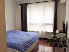 Sunny 2br apartment for rent in Gubei Phase 2