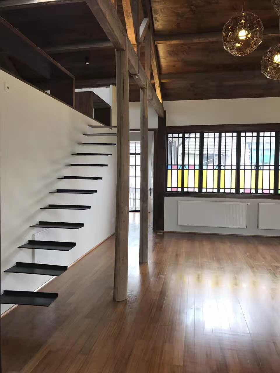 Charming 3 Bedrooms Lane House with Terrace in French Concession Shanghai for Rent