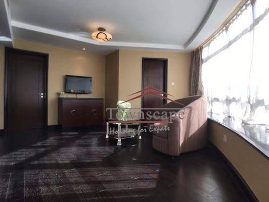 Sunny 2BR Service Apartment in West Nanjing Rd