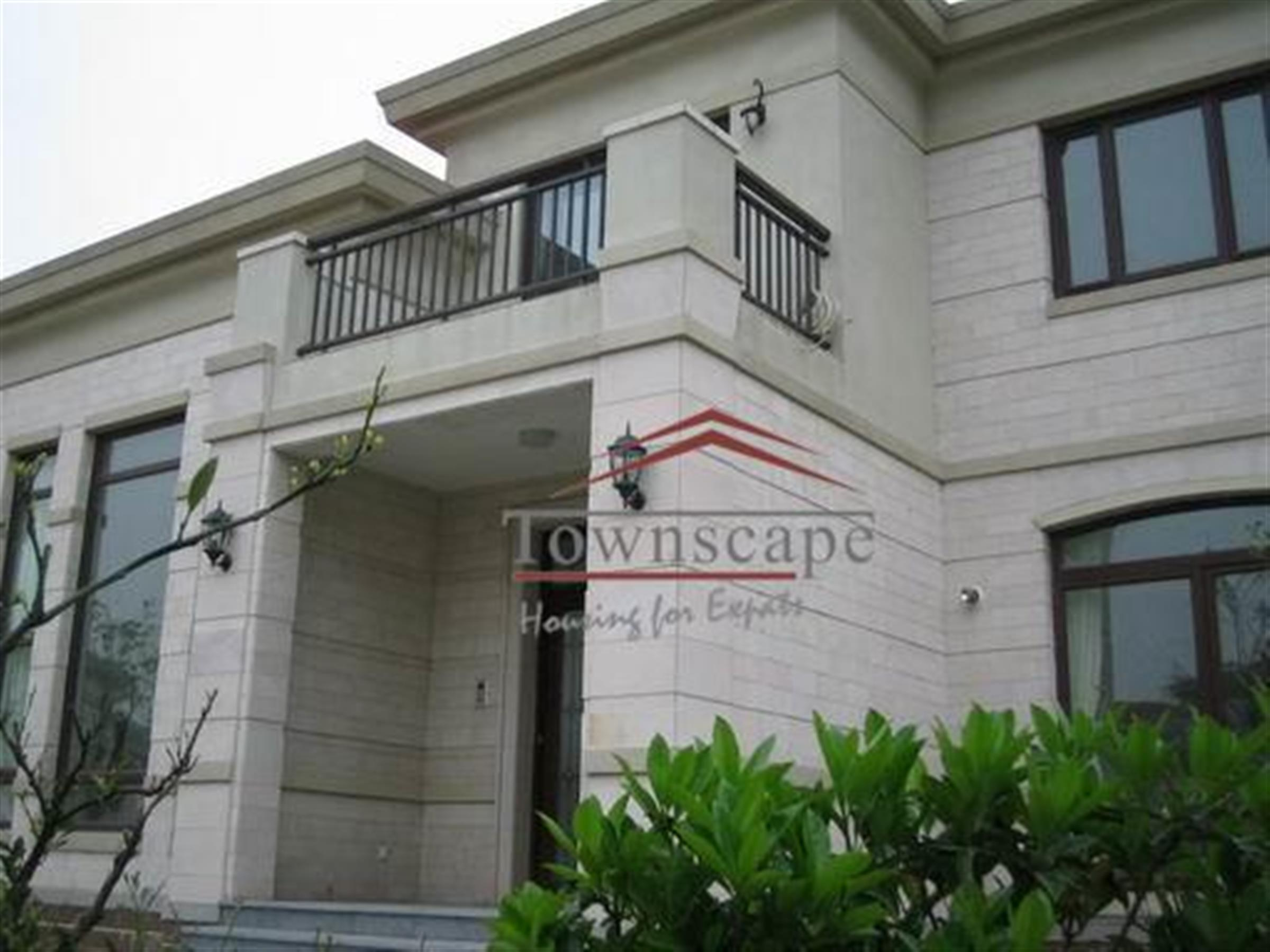 6BR Long Beach Garden Villa for Rent in Qingpu Shanghai