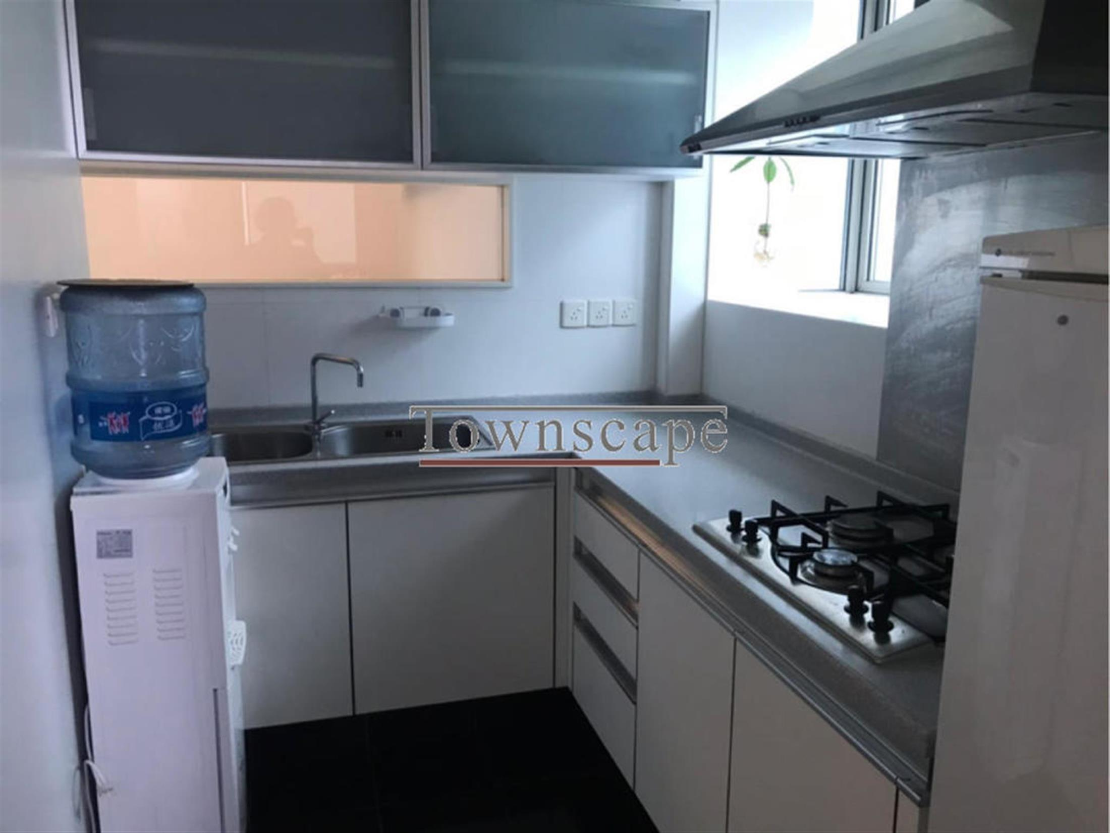 clean kitchen Discounted Cozy 8 Park Avenue Apartment w Great Views for Rent in Shanghai