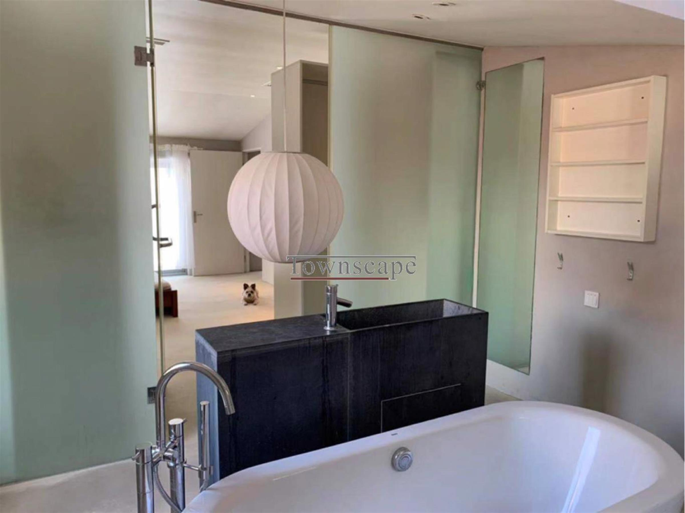bathtub Large 3F FFC Lane House for Rent in Shanghai