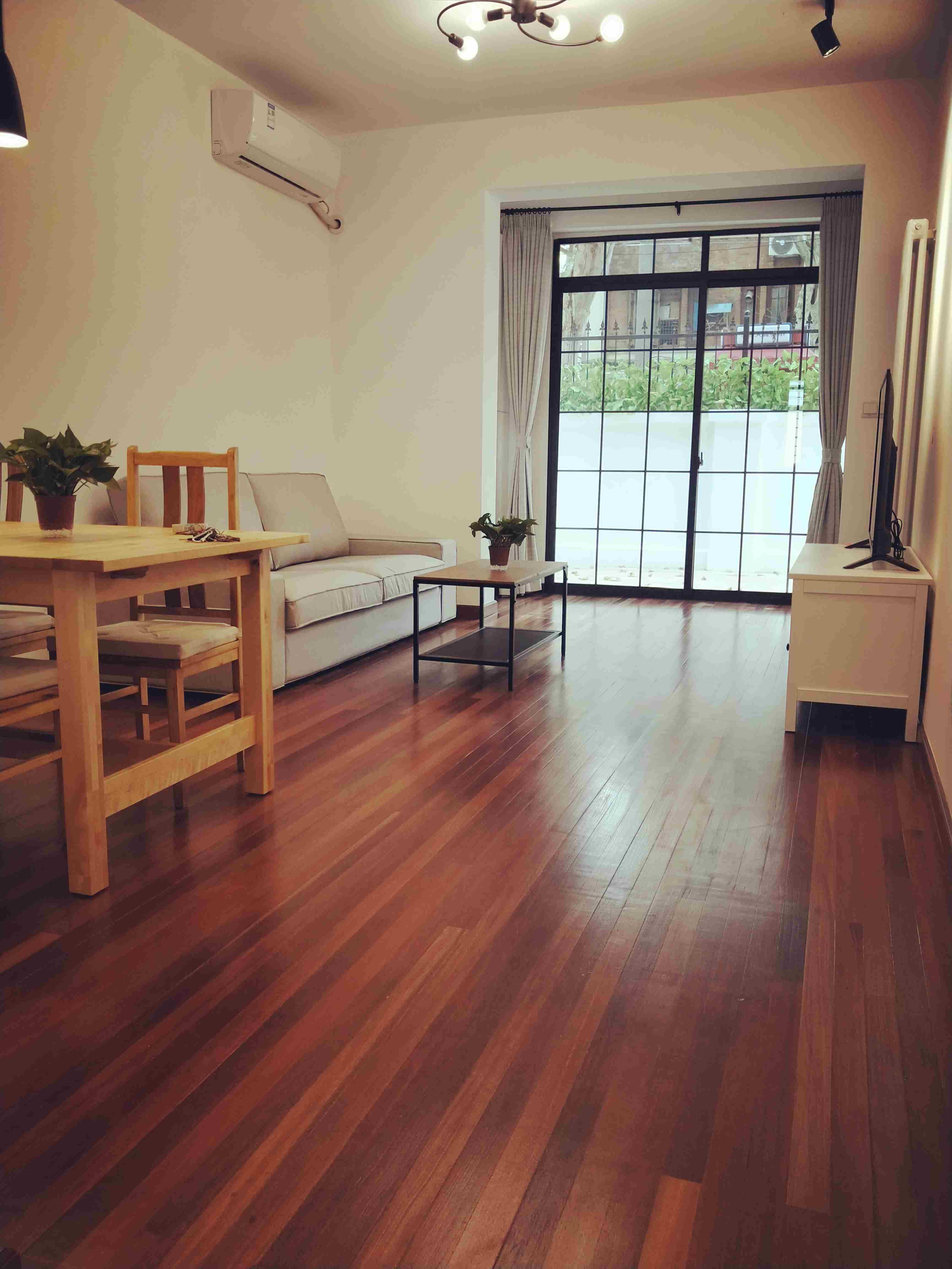 Bright Quiet 3BR Xintiandi Lane House Apartment in Shanghai f