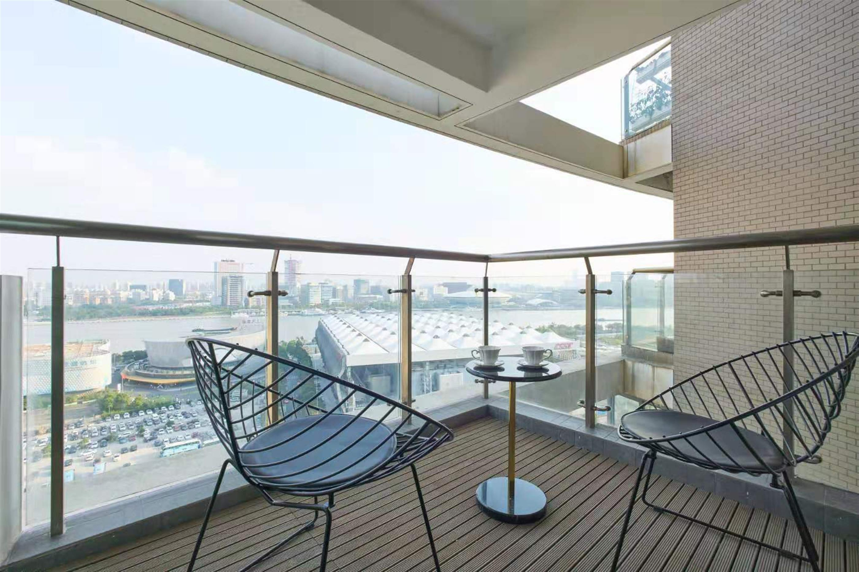 Modern 3BR Apt w Fantastic River View nr LN 4,8 for Rent in S
