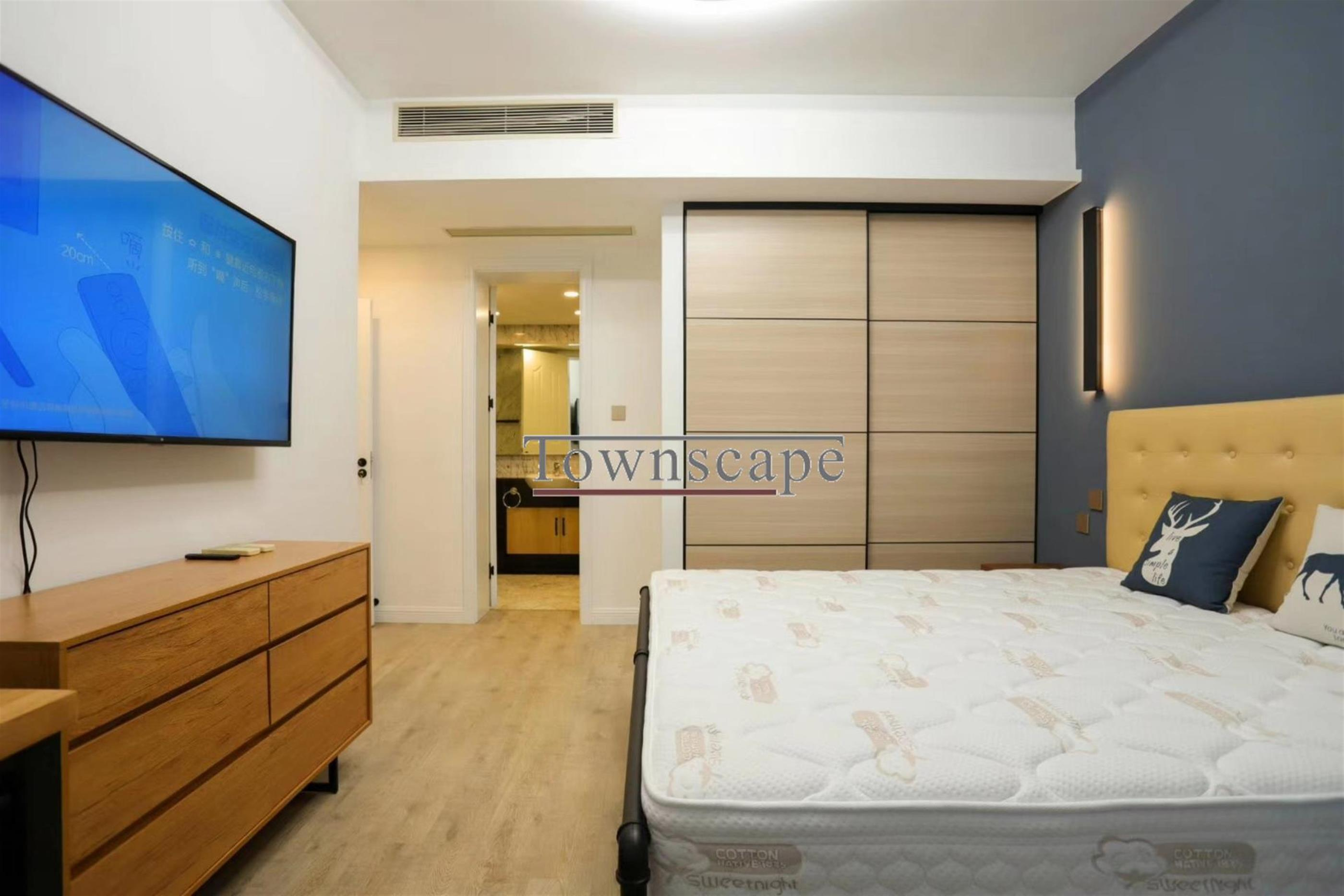 big bedroom Spacious Modern Apt nr LN 2/12/13 in Shanghai's W Nanjing Rd Area for Rent