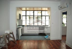 <b>Unfurnished 1 bdr 80sqm apartment  near Huaihai mtr line 1</b>