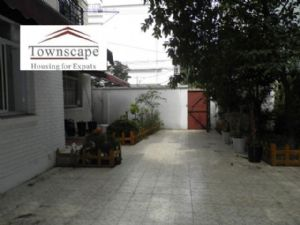 House with 120 sqm garden near metro line 1