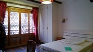 Gorgeous high ceiling 2br Lane House withterrace balcony and