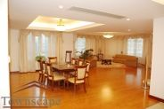 300 sqm 5br bright and huge penthouse in Pudong Lujiazui